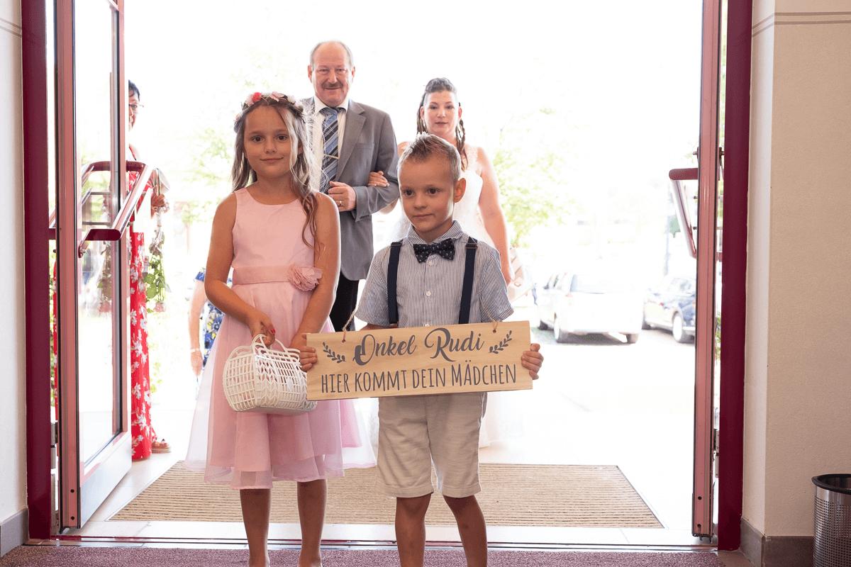 Brauteinzug bei Hochzeit