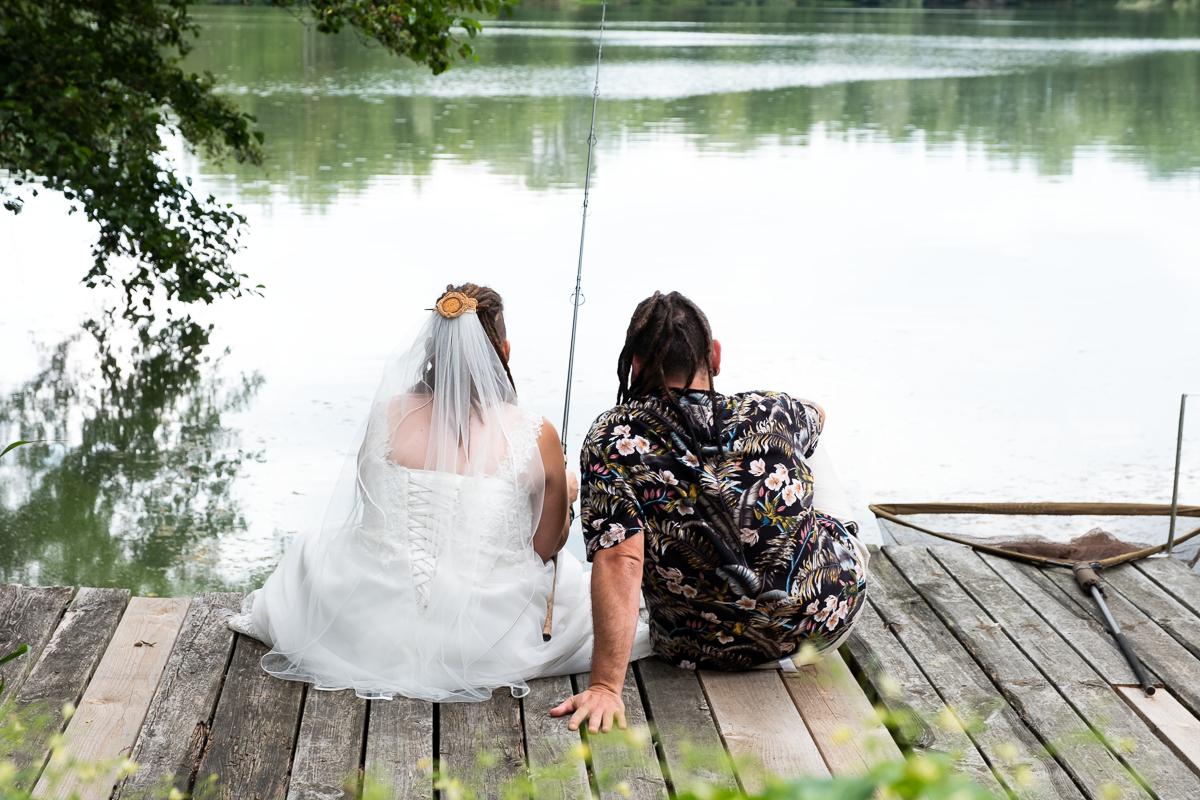 Ehepaar fischt