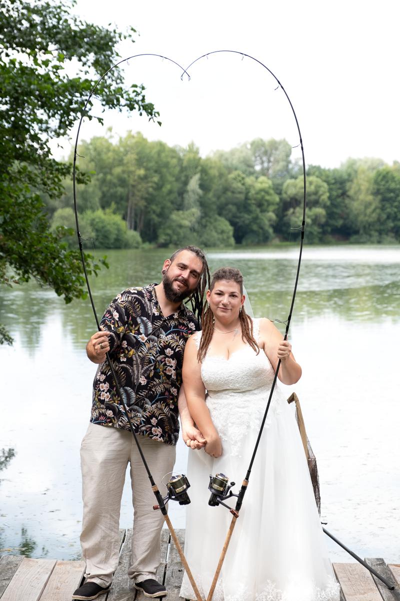Brautpaar mit Angelruten