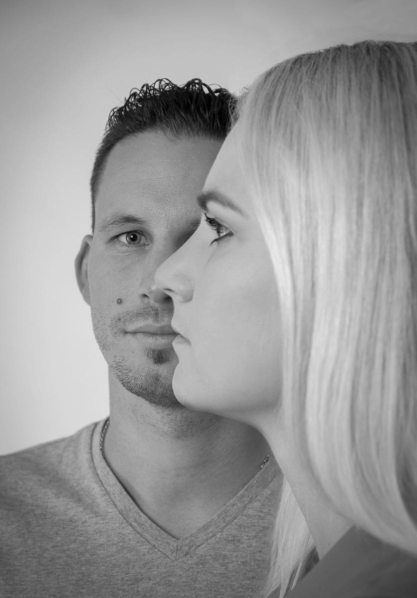 Mann und Frau im Fokus