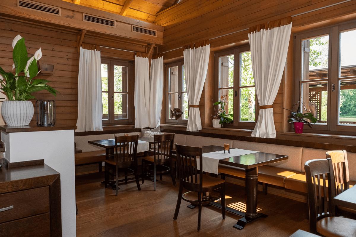 Gastraum mit Fenster